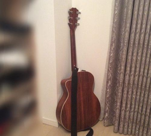 ギターへの負担が少ない立てかけ方