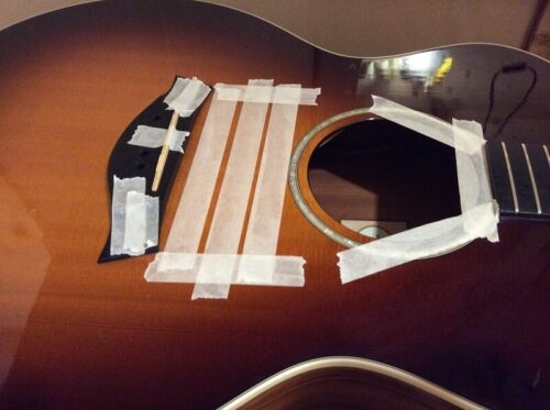 クランプからギターを守るマスキング