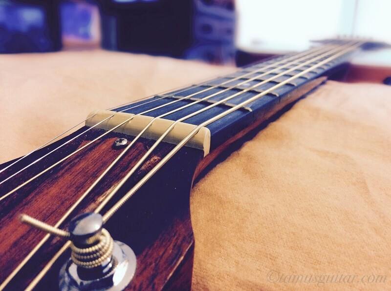 エリクサー弦とギター